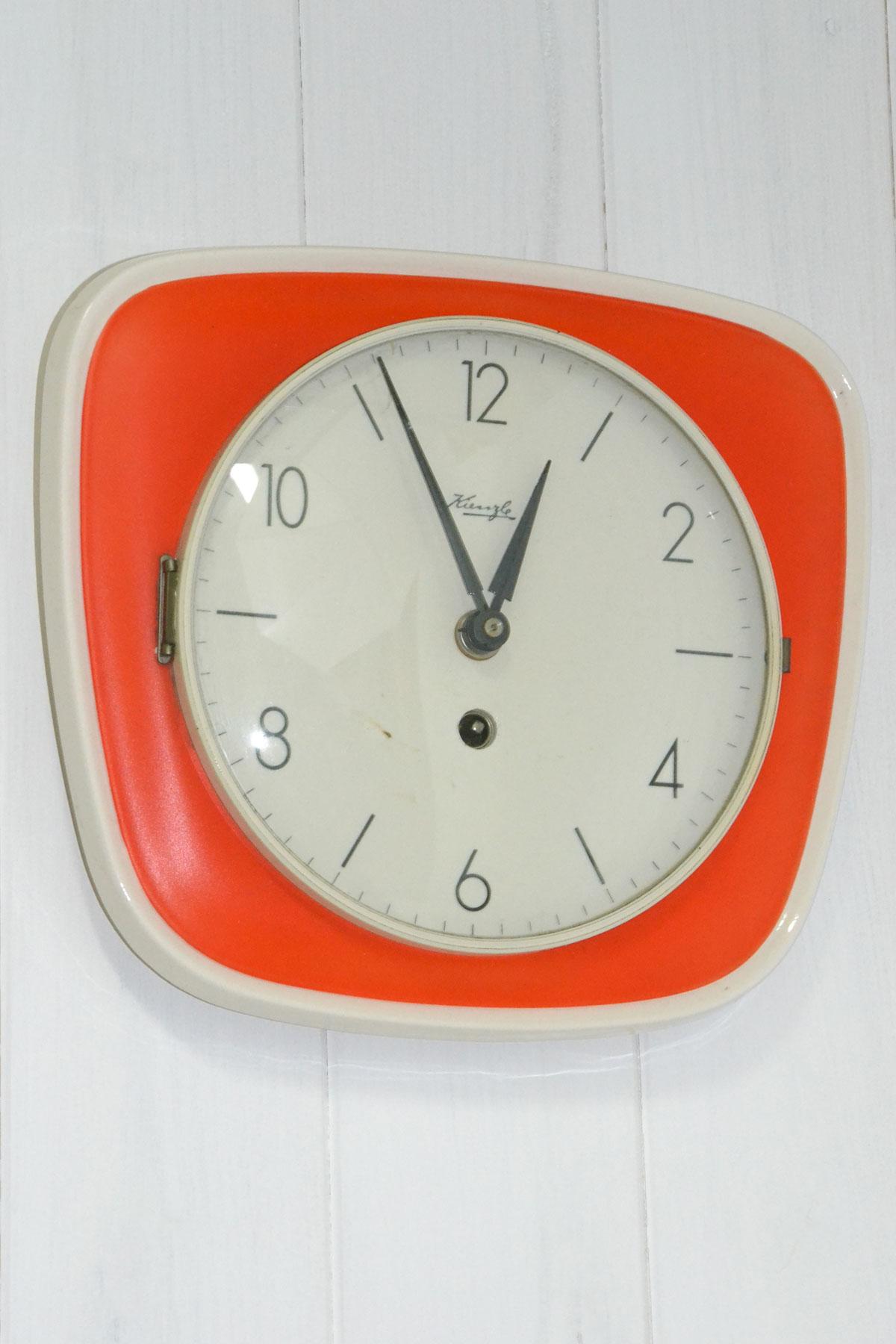 Orologio da parete vintage kienzle cheantico for Orologio digitale da parete ikea